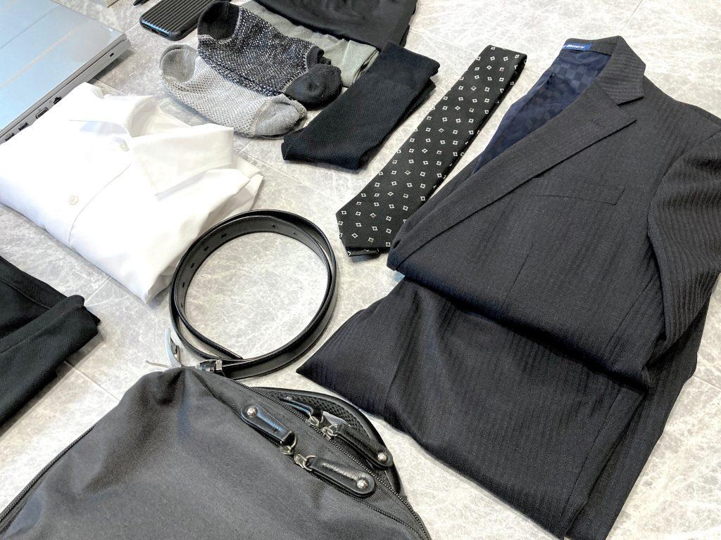 30代 男性 ミニマリスト スーツ
